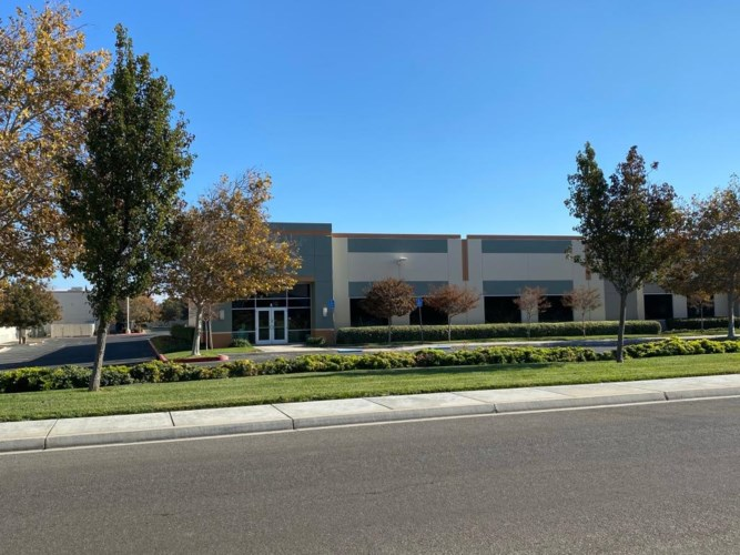 530 Keystone Boulevard, Patterson, CA 95363