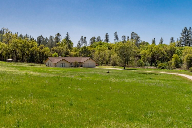 12555 Empty Diggins Lane, Rough and Ready, CA 95975