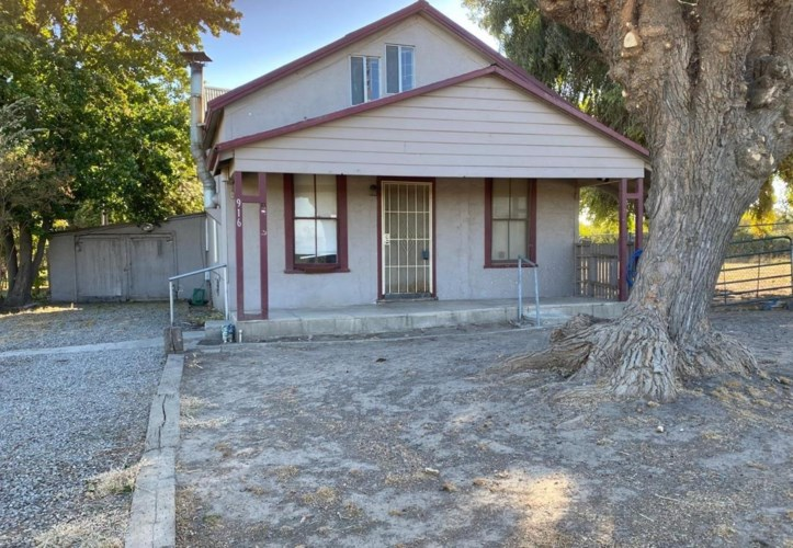 916 Grimes Avenue, Modesto, CA 95358