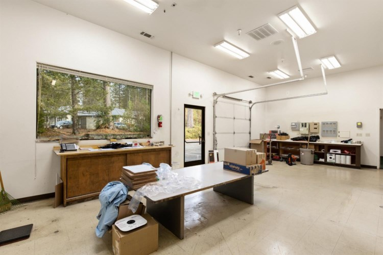 400 Crown Point Circle, Grass Valley, CA 95945