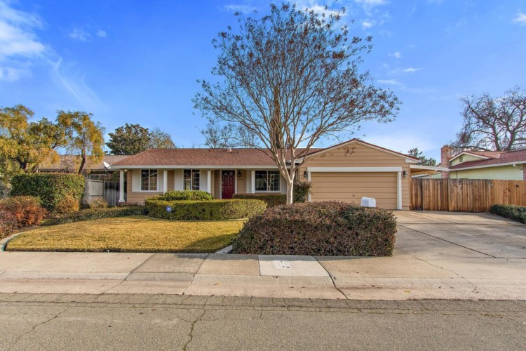 6975 Riverboat Way, Sacramento, CA 95831