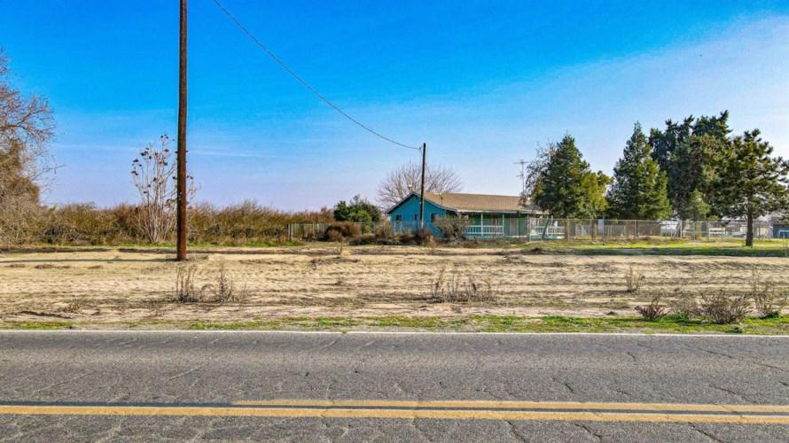 12379 Livingston Cressey Road, Livingston, CA 95334