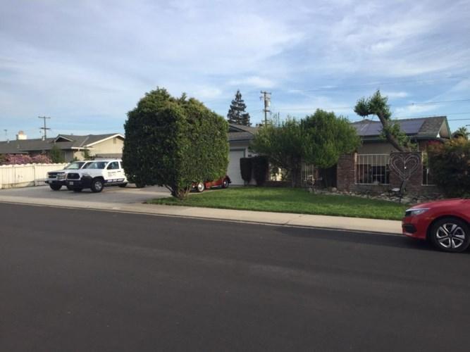 1804 Elder Lane, Modesto, CA 95355