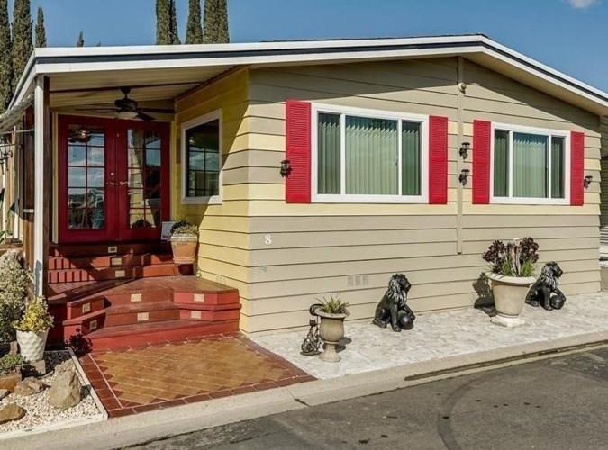 8 Pina Street, Sacramento, CA 95828
