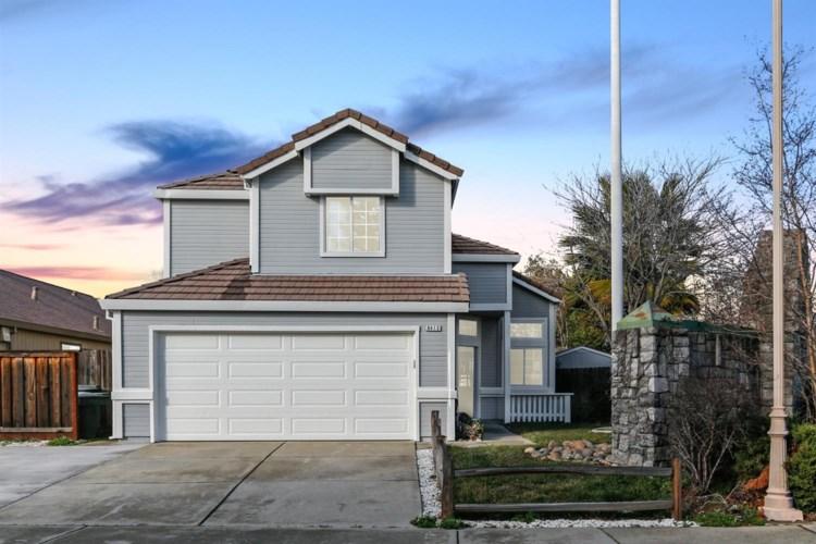 8413 Hillsbrook Drive, Antelope, CA 95843