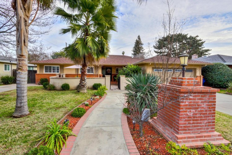 4305 Kenston Way, Sacramento, CA 95822