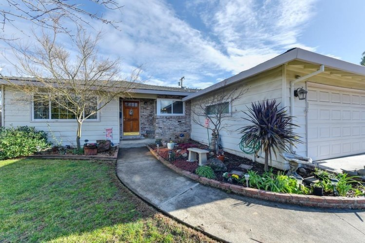 1121 Augusta Way, Roseville, CA 95661