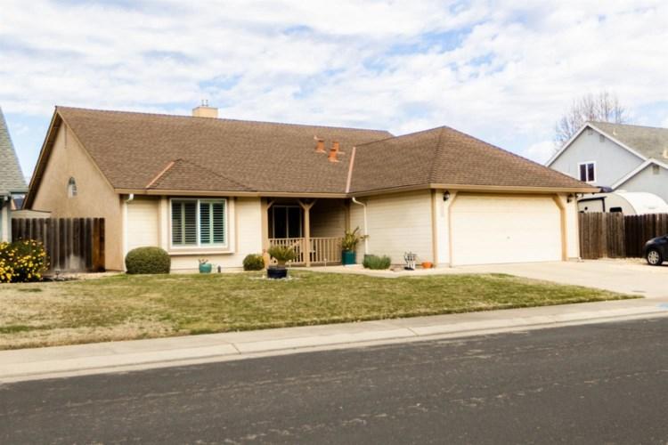 1534 Oakwood Drive, Escalon, CA 95320