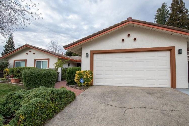 8213 Treecrest Avenue, Fair Oaks, CA 95628