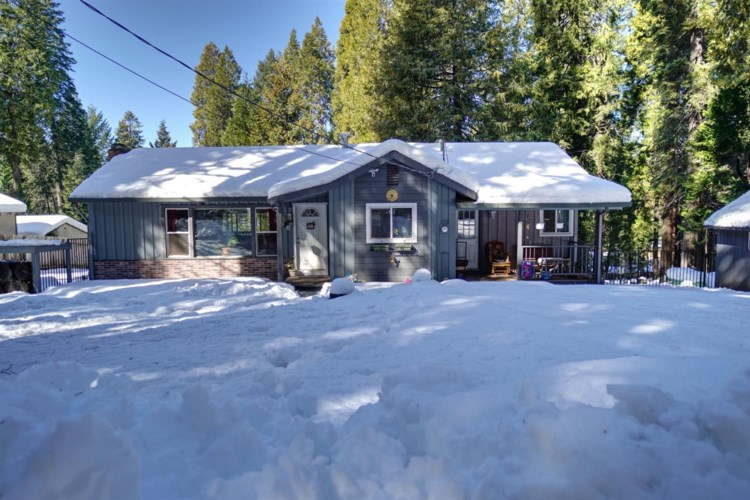 2933 Maple Avenue, Pollock Pines, CA 95726