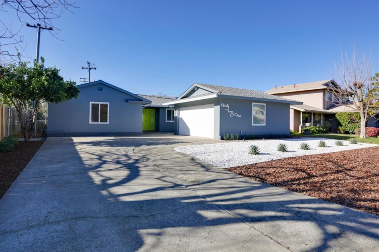 9304 La Riviera Drive, Sacramento, CA 95826