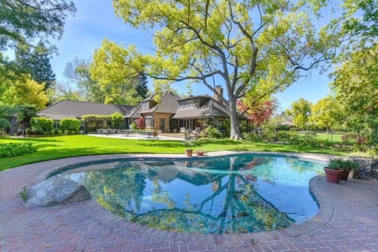 450 Hopkins Road, Sacramento, CA 95864