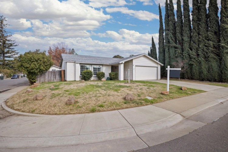 3421 Zorina Way, Sacramento, CA 95826