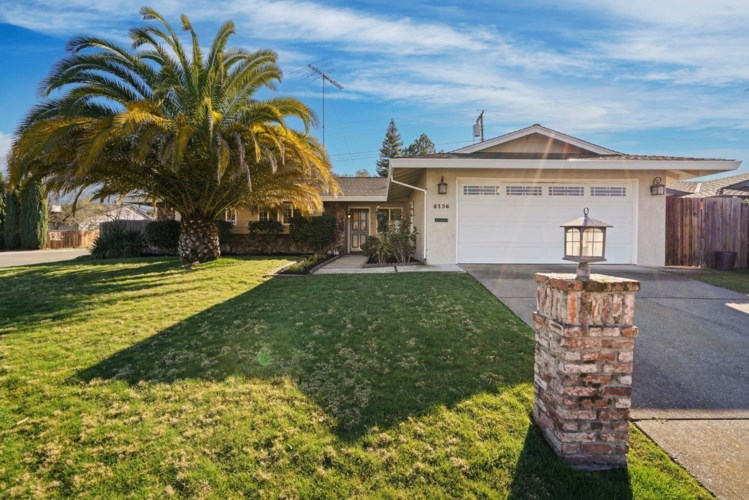 8136 Leafcrest Way, Fair Oaks, CA 95628