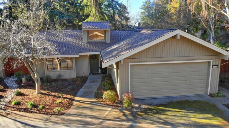 2036 University Park, Sacramento, CA 95825