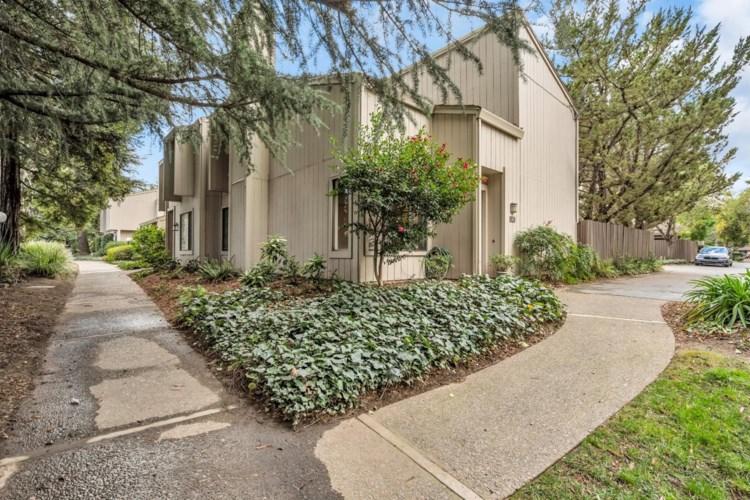 37 Adelphi Court, Sacramento, CA 95825