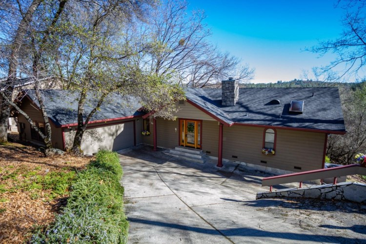 18344 Hummingbird Drive, Penn Valley, CA 95946
