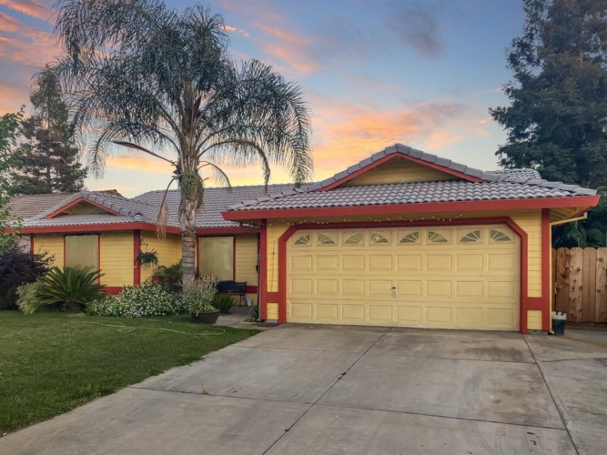 3724 Prince Andrew Drive, Riverbank, CA 95367