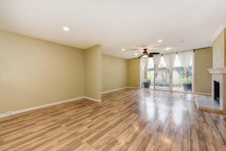 709 Woodside Lane  #2, Sacramento, CA 95825