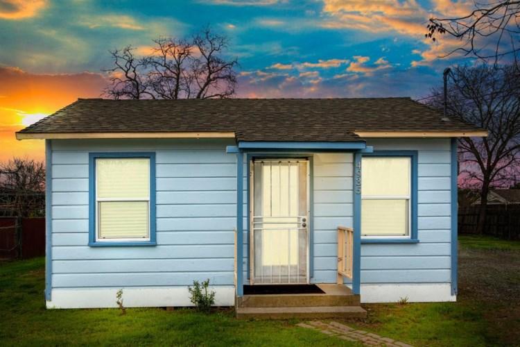 4935 Wallace Avenue, Sacramento, CA 95838
