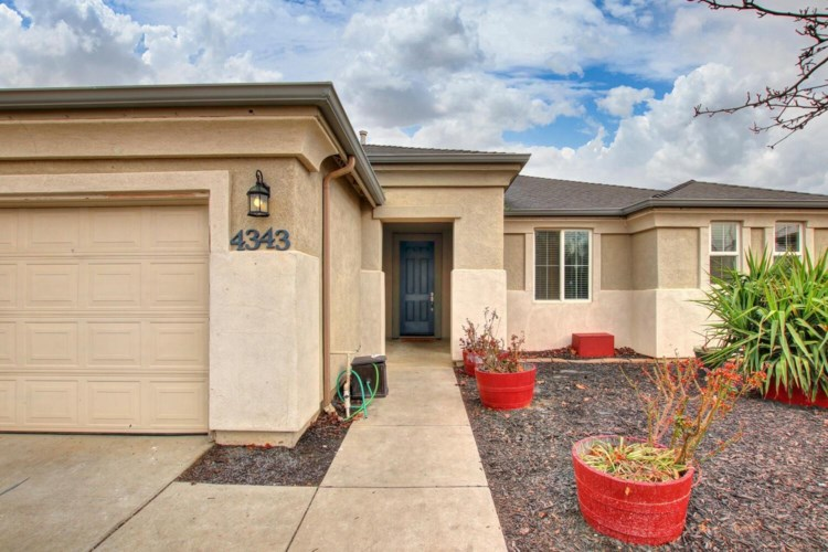4343 Bluebell Avenue, Olivehurst, CA 95961
