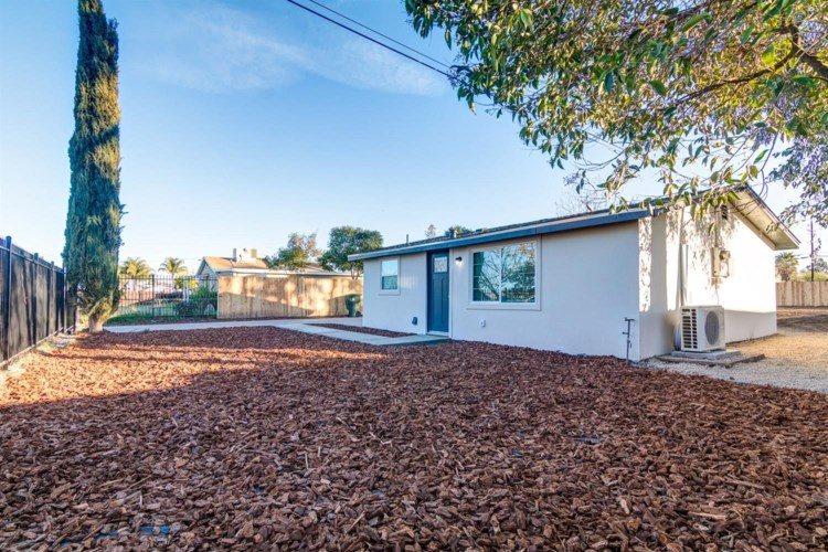 1922 Beverly Avenue, Olivehurst, CA 95961