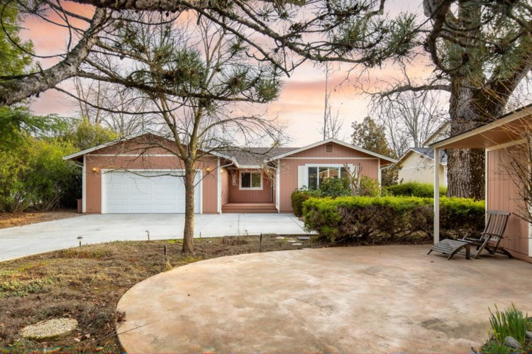 18313 Lake Forest Drive, Penn Valley, CA 95946