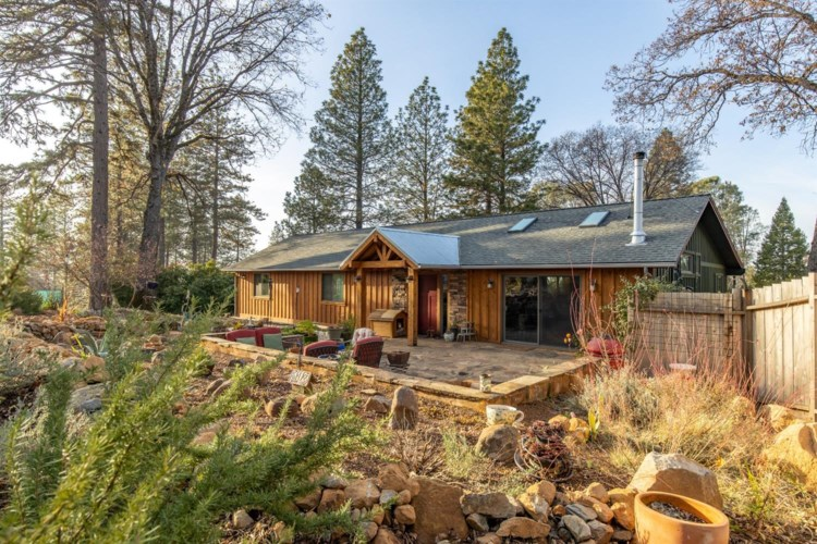 12693 Rough and Ready, Grass Valley, CA 95945