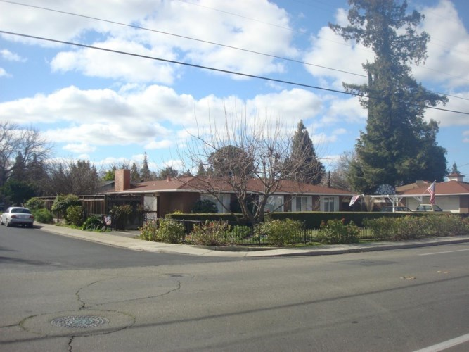 1360 E Orangeburg Avenue, Modesto, CA 95355