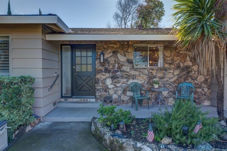 6716 Winding Way, Fair Oaks, CA 95628