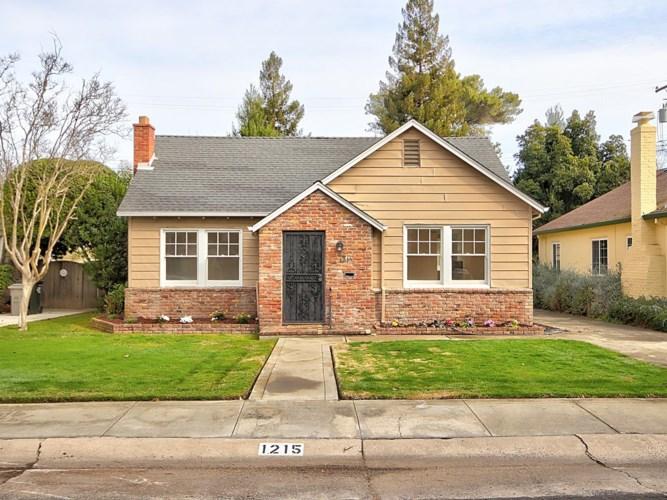 1215 Larkin Way, Sacramento, CA 95818