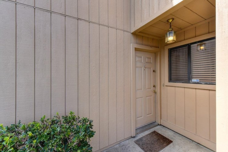 1413 Hood Road, Sacramento, CA 95825