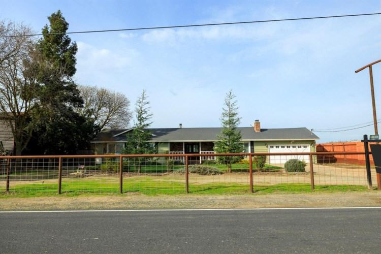 960 S Stearns Road, Oakdale, CA 95361