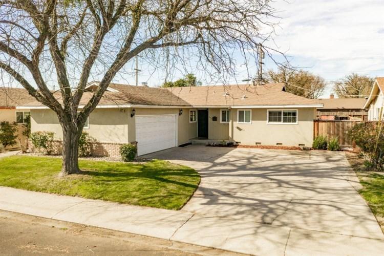 2413 Newport Drive, Modesto, CA 95350