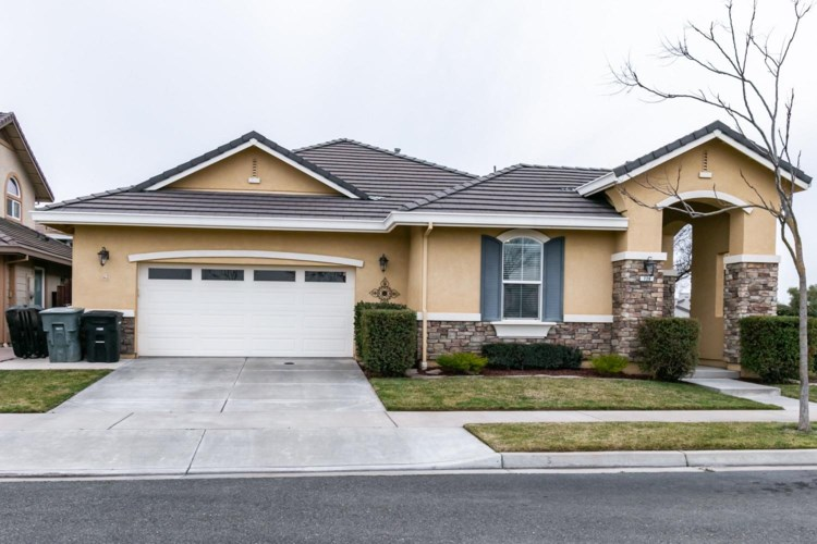 726 Jasmine, Oakdale, CA 95361
