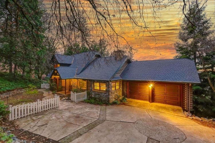 17710 Lawrence Way, Grass Valley, CA 95949