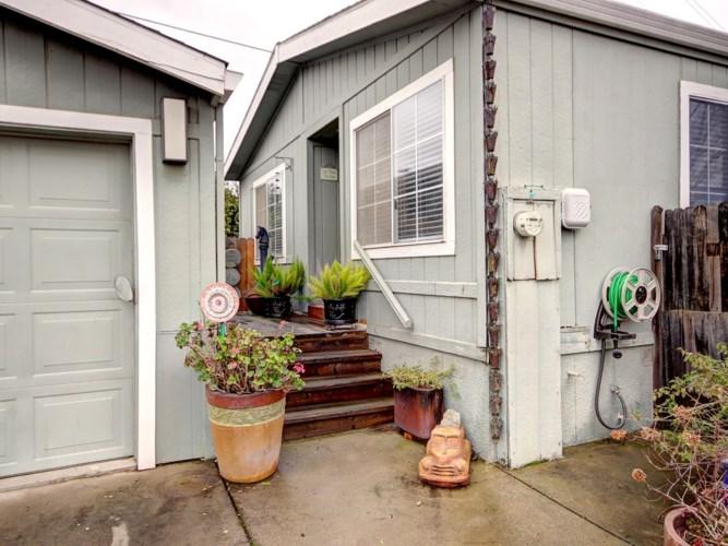 7855 Cottonwood Lane, Sacramento, CA 95828