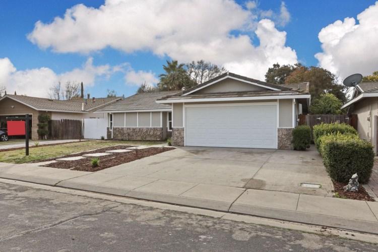 734 Range Court, Manteca, CA 95336