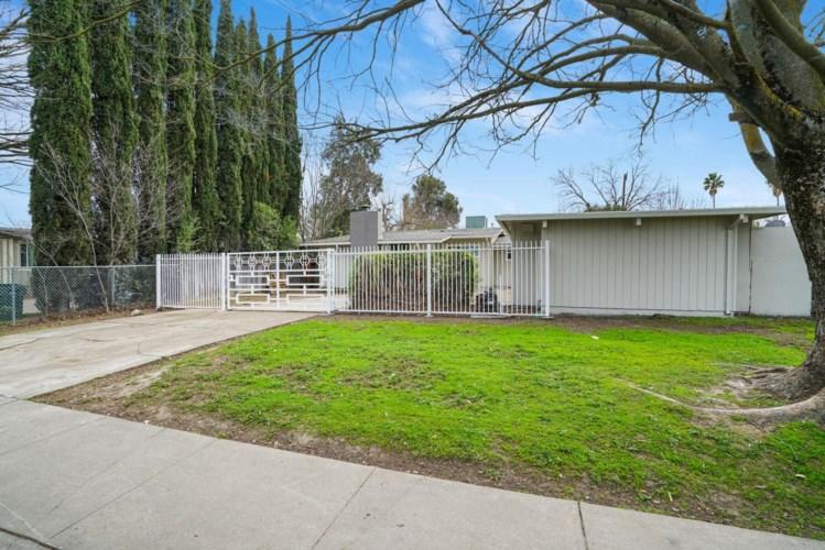 2224 Florin Road, Sacramento, CA 95822