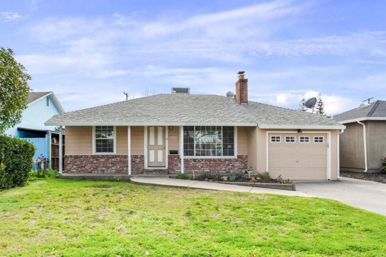 2064 Joan Way, Sacramento, CA 95825