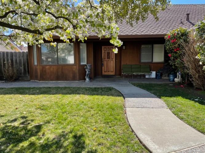 1284 Pheasant Hollow Way, Manteca, CA 95336