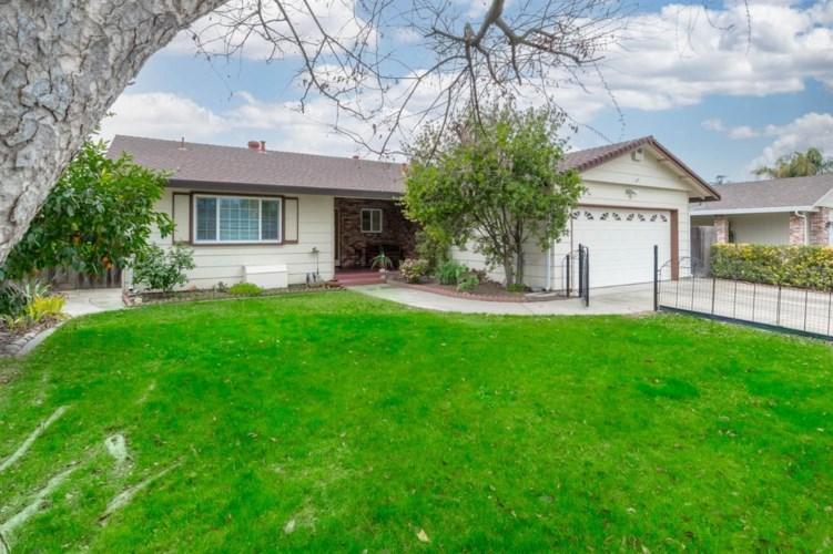 1416 Clovewood Avenue, Modesto, CA 95355