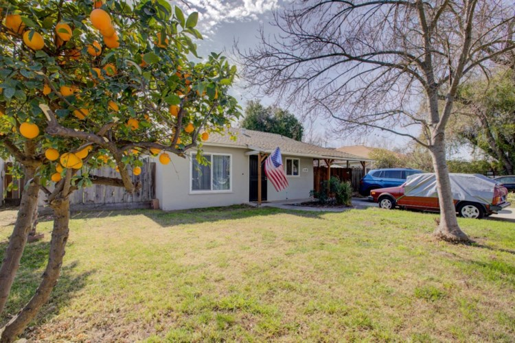 920 Hawthorne Avenue, Modesto, CA 95350