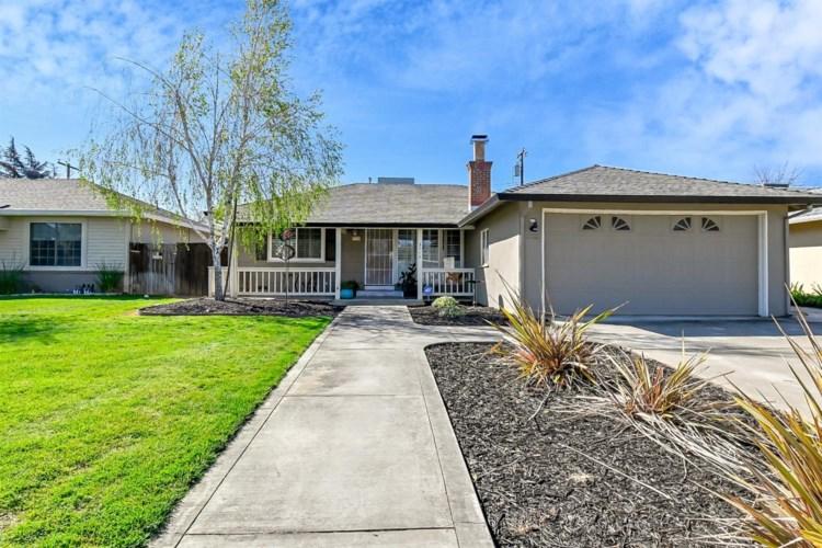 3712 Gratia Avenue, Sacramento, CA 95821