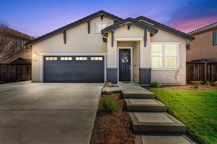 10517 Fossil Way, Elk Grove, CA 95757