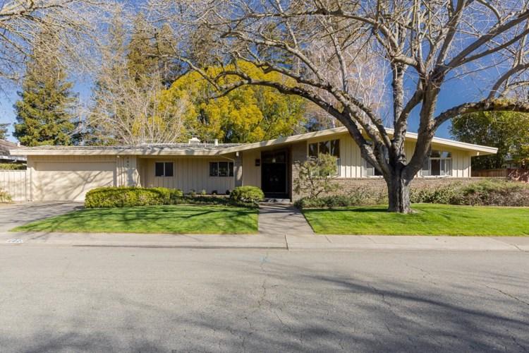 2823 Latham Drive, Sacramento, CA 95864