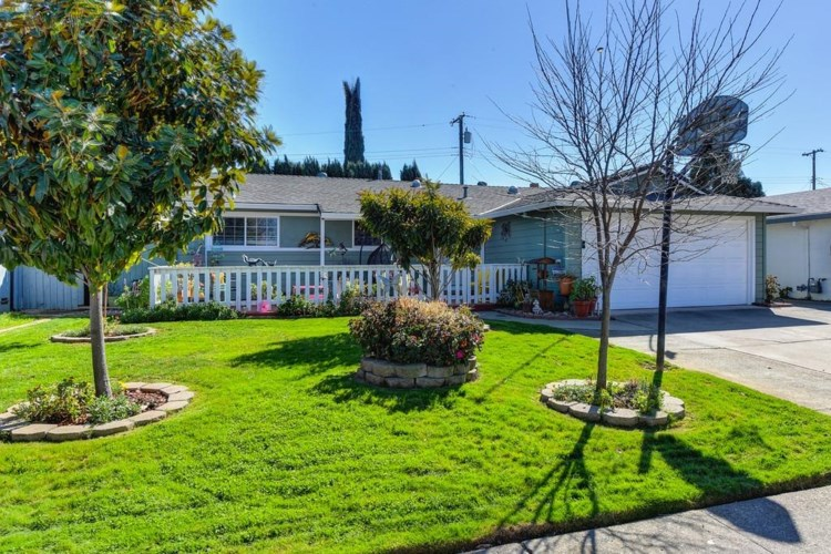 10916 Walnutwood Way, Rancho Cordova, CA 95670