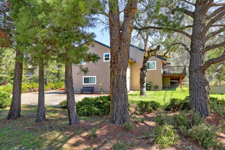 17843 Lake Forest Drive, Penn Valley, CA 95946