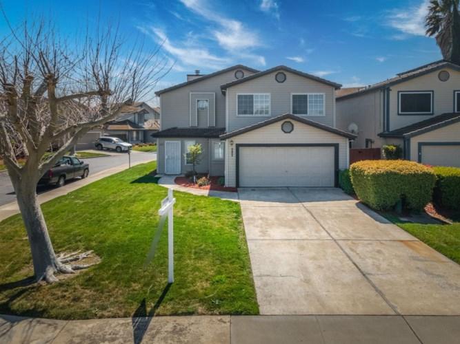 582 W 4th Street, Tracy, CA 95376