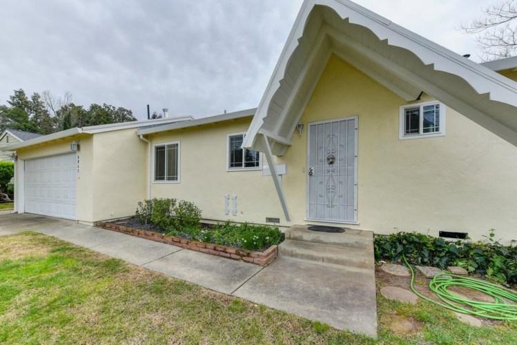 8962 Woodward Way, Orangevale, CA 95662